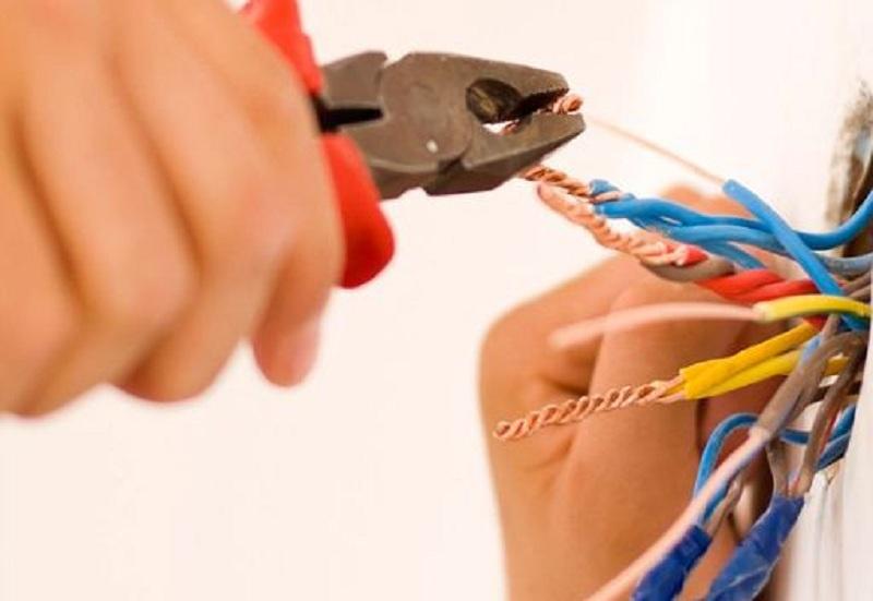 Mês do Eletricista: dicas para o dia a dia dos profissionais