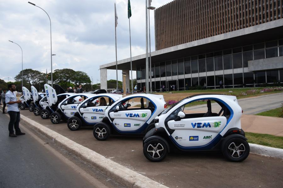 Compartilhamento de carros elétricos para frotas públicas ganha as ruas de Brasília