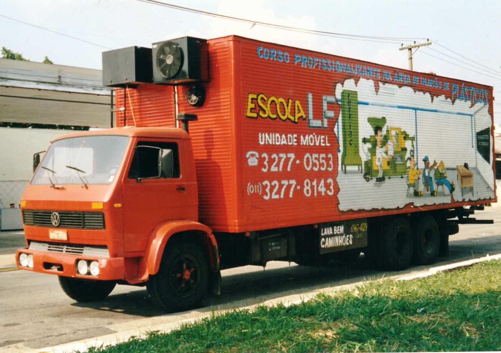 Escola LF vai retomar seu projeto de 'caminhão-escola'
