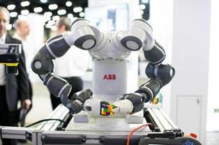 Primeiro robô colaborativo do mundo será destaque na Fispal Tecnologia