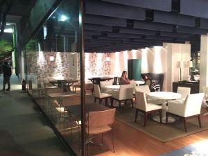 Produto Trisoft para acabamento acústico permite criar diversos ambientes em um único espaço