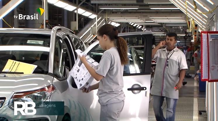 IBGE: indústria brasileira dá mais um sinal de retomada